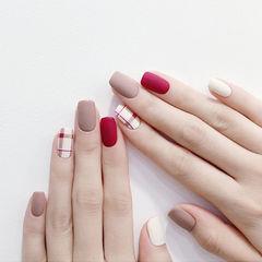 方圆形红色裸色白色格纹磨砂美甲图片