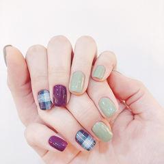 方圆形紫色绿色格纹美甲图片