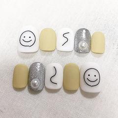 圆形黄色银色白色手绘笑脸珍珠磨砂可爱美甲图片