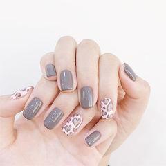 方圆形灰色手绘豹纹美甲图片