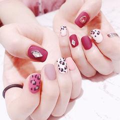 方圆形玫红色白色粉色手绘豹纹钻跳色磨砂美甲图片