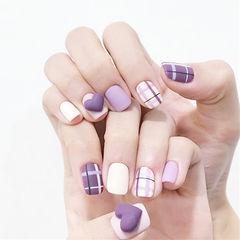方圆形紫色白色格纹磨砂心形美甲图片