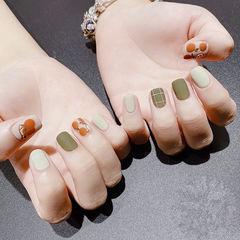 方圆形绿色橙色手绘水果格子磨砂美甲图片