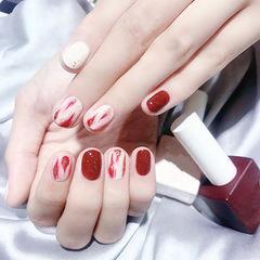 圆形红色白色晕染金箔全国连锁日式学校学美甲加微信:mjbyxs15美甲图片