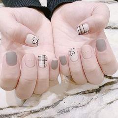 方圆形灰色裸色格纹心形磨砂美甲图片