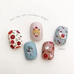 方圆形红色蓝色裸色白色手绘圣诞可爱美甲图片