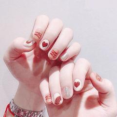 圆形焦糖色白色银色手绘心形短指甲美甲图片