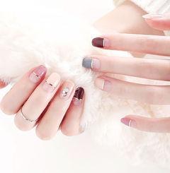 方圆形粉色裸色红色金银线平法式美甲图片