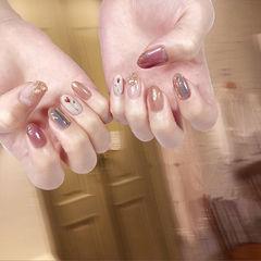 圆形粉色棕色裸色手绘花朵碎玻璃全国连锁日式学校学美甲加微信:mjbyxs15美甲图片