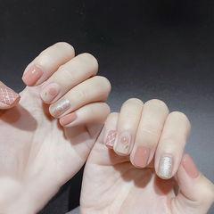 方圆形粉色银色手绘花朵新娘全国连锁日式学校学美甲加微信:mjbyxs15美甲图片