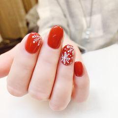圆形红色白色手绘雪花美甲图片