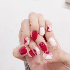 圆形红色白色手绘菱格美甲图片