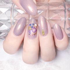 圆形紫色贝壳片简约上班族美甲图片