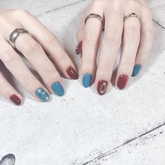 圆形红色蓝色金属饰品跳色美甲图片