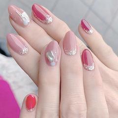 圆形玫红色粉色贝壳片闪粉美甲图片