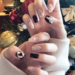 方圆形黑色裸色金银线珍珠钻圣诞美甲图片