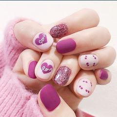 圆形紫色白色心形波点磨砂短指甲美甲图片