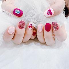 圆形红色白色格纹心形磨砂短指甲美甲图片