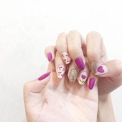 圆形紫色银色手绘花朵樱桃美甲图片