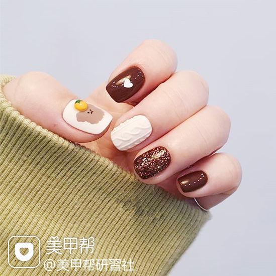 方圆形棕色白色手绘毛衣纹可爱磨砂全国连锁日式学校学美甲加微信:mjbyxs15美甲图片