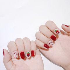 圆形红色手绘水果樱桃草莓美甲图片