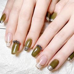 梯形绿色裸色珍珠法式美甲图片