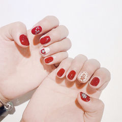 圆形红色白色手绘圣诞全国连锁日式学校学美甲加微信:mjbyxs15美甲图片