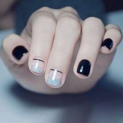 方圆形黑色银色渐变线条短指甲美甲图片