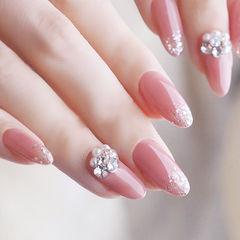 圆形粉色钻珍珠新娘全国连锁日式学校学美甲加微信:mjbyxs15美甲图片