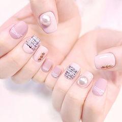 方圆形粉色手绘毛呢珍珠美甲图片