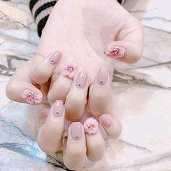 方圆形粉色雕花钻新娘全国连锁日式学校学美甲加微信:mjbyxs15美甲图片