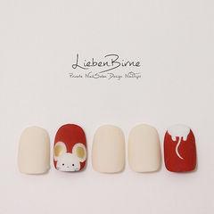 圆形红色白色手绘新年可爱磨砂美甲图片