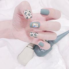 方圆形蓝色白色手绘豹纹磨砂钻美甲图片