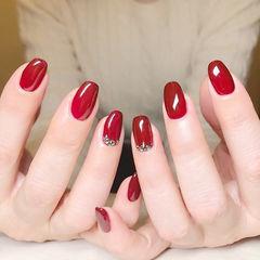 方圆形红色钻显白新娘新年简约上班族美甲图片