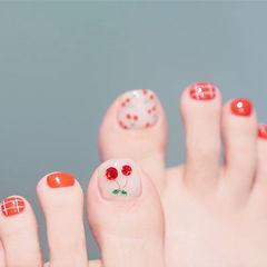 脚部红色水果樱桃格子美甲图片