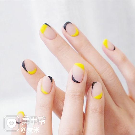 方圆形黄色黑色包边磨砂美甲图片