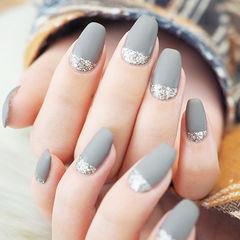 梯形灰色银色磨砂简约美甲图片