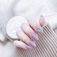 圆形紫色钻美甲图片