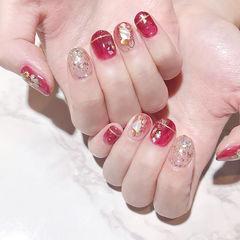 圆形红色银色贝壳片金箔短指甲新年美甲图片
