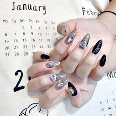 尖形黑色灰色钻晕染全国连锁日式学校学美甲加微信:mjbyxs15美甲图片