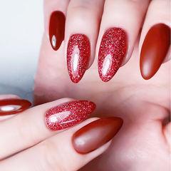 尖形红色磨砂显白简约美甲图片