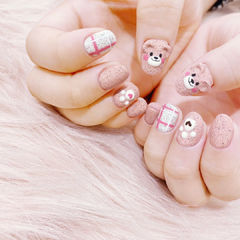 圆形裸色粉色雕花可爱磨砂全国连锁日式学校学美甲加微信:mjbyxs15美甲图片