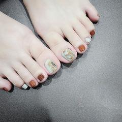 脚部棕色焦糖色晕染全国连锁日式学校学美甲加微信:mjbyxs15美甲图片