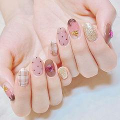 圆形粉色裸色格纹波点钻美甲图片