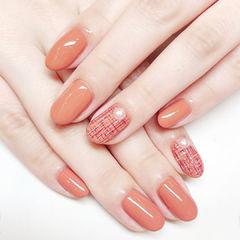 圆形橙色手绘毛呢珍珠美甲图片