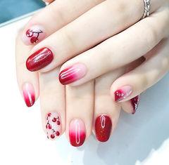 圆形红色渐变手绘水果樱桃全国连锁日式学校学美甲加微信:mjbyxs15美甲图片