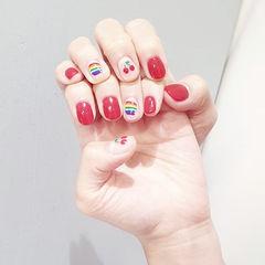 圆形红色手绘彩虹水果樱桃短指甲美甲图片