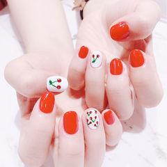 圆形红色白色手绘水果樱桃短指甲美甲图片