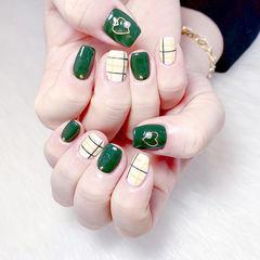 方圆形绿色白色格纹心形美甲图片