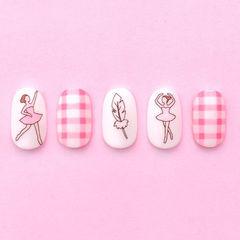 圆形粉色白色手绘格纹可爱美甲图片